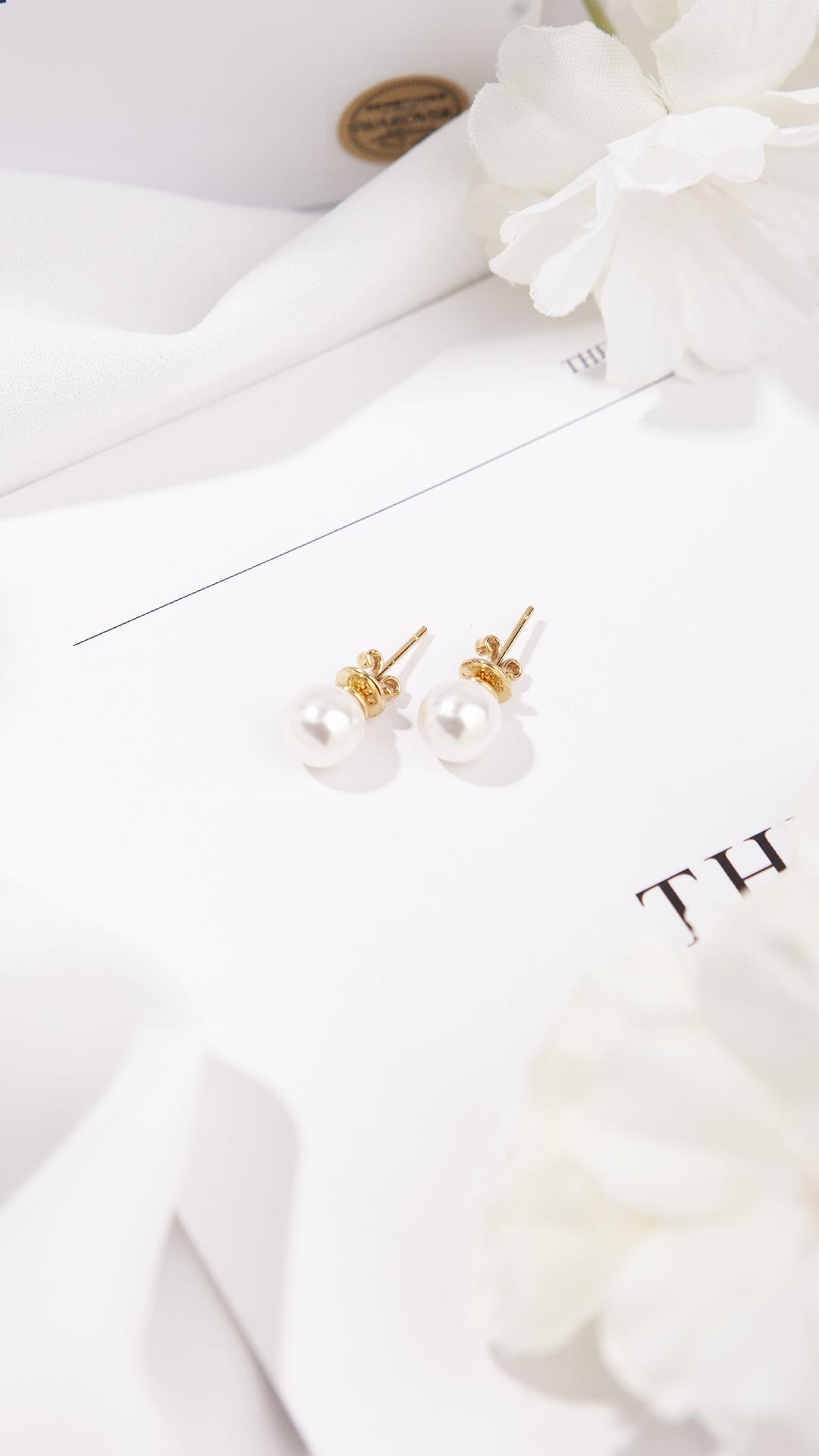 1ING[일링]의 정품 스와로브스키의 진주를 입은 일링의 진주 귀걸이를 소개 합니다.