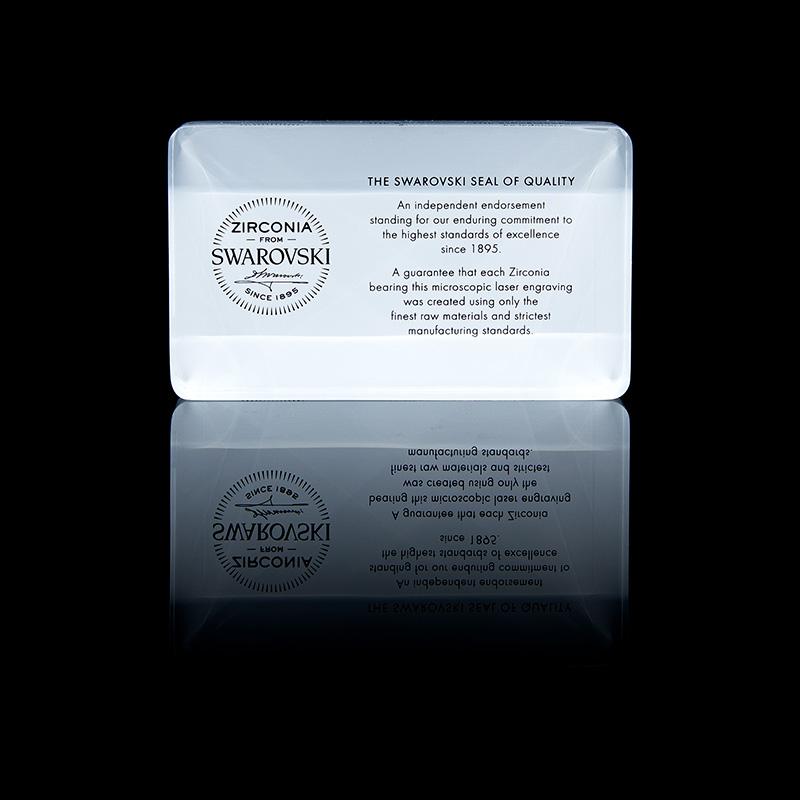 프리미엄 주얼리 브랜드 1ING[일링]은 글로벌 주얼리 브랜드 SWAROVSKI와 공식 파트너사입니다. 최고의 품질을 위해 SWAROVSKI 사에서 제작된 스톤을 직접 공급받아 제작합니다.
