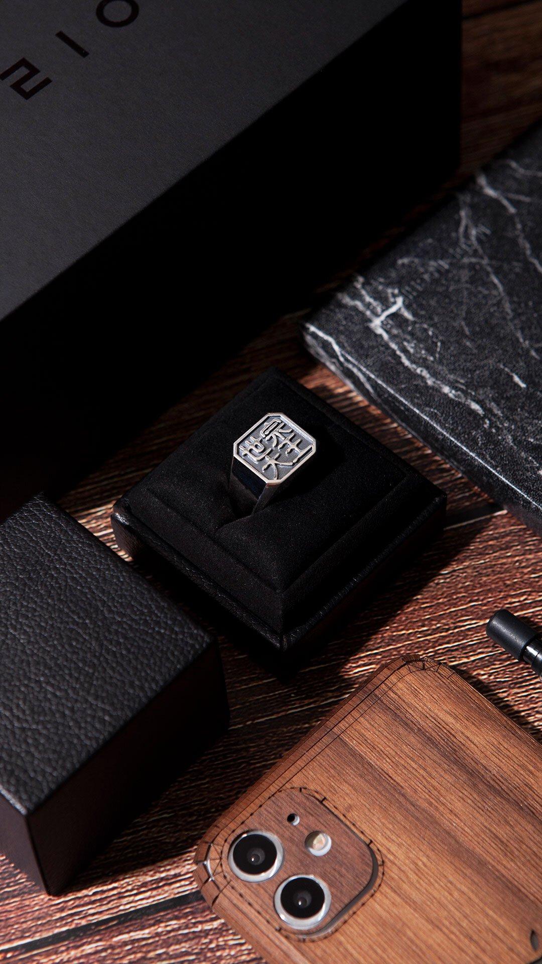 1ING[일링] 옥타곤 원링(각인) 은(Silver) 소재 컨셉 사진 1